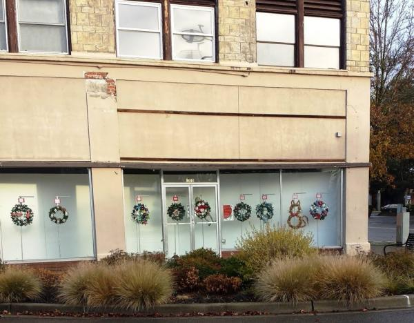 Ring in the Holidays with the Kent Downtown Partnership's Wreath Decorating Contest